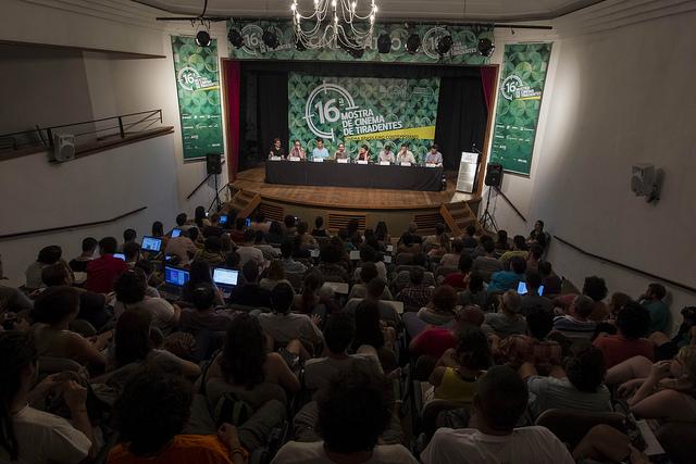Um dos debates que acontecem em Tiradentes (Foto: Beni Jr./Divulgação)